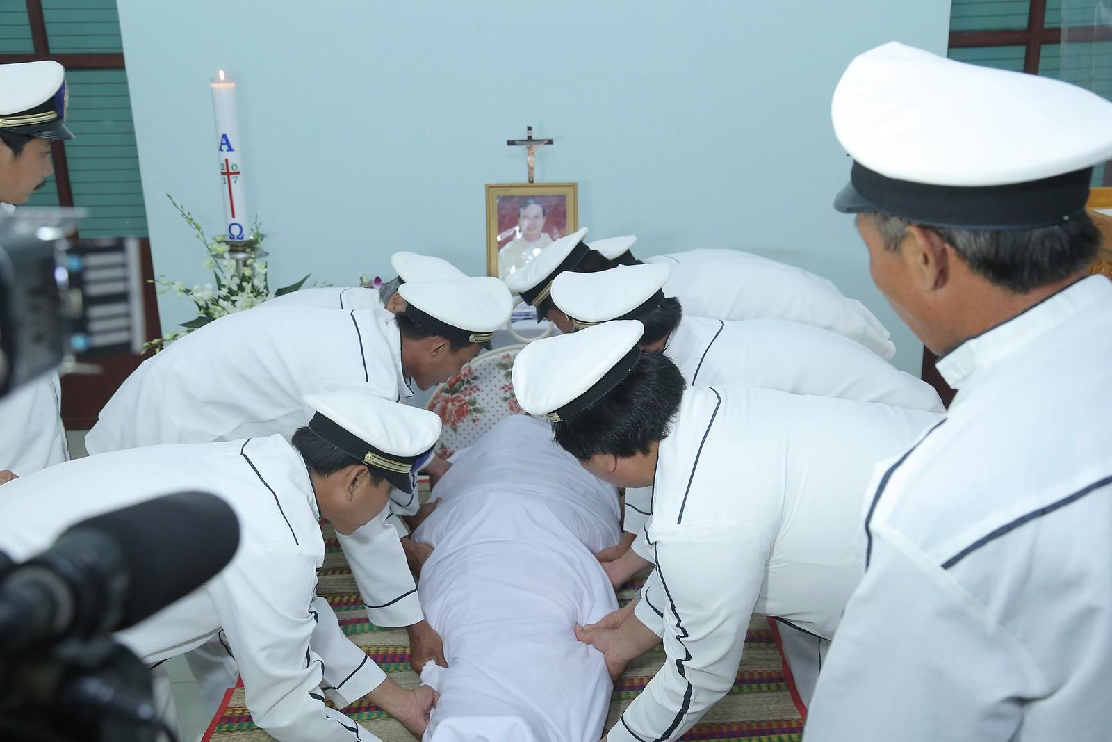 Cầu nguyện cho linh hồn Cha Giuse Đặng Đình An, Cha qua đời vì tai nạn giao thông - Ảnh minh hoạ 18