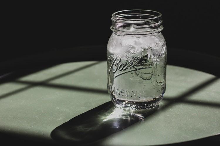 Benefit Minum Air Putih Bagi Penderita Wasir