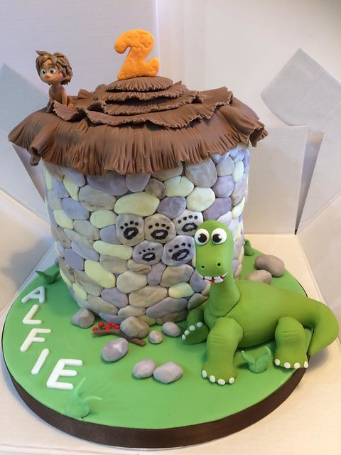 Cake by Love Mili & Me Cakes