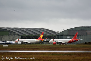 Airbus A320s being stored at Francazal