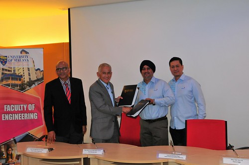 Majlis Menandatangani MOU UM - CELCOM Mobile Sdn Bhd, 9 Februari 2018