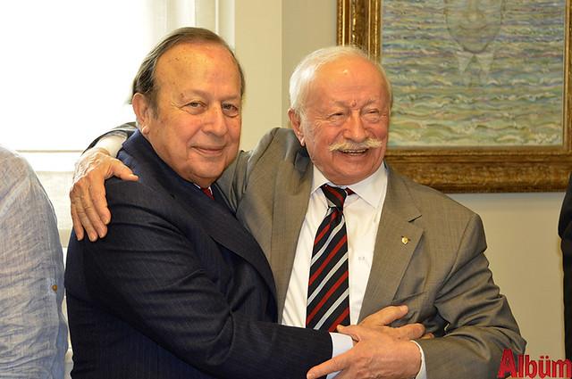 Yılmaz Ulusoy 77. yaşını dostlarıyla kutladı