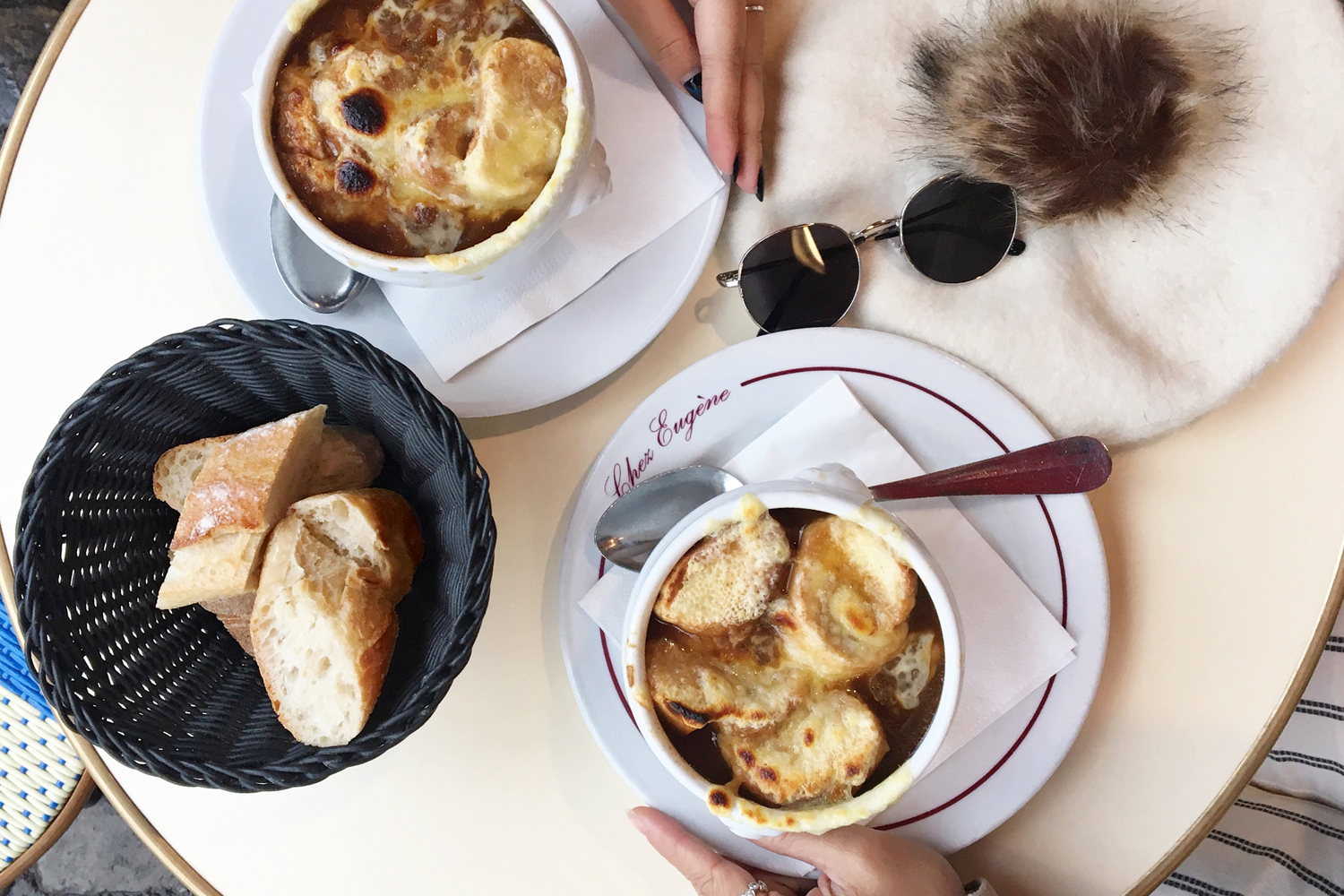 10paris-france-frenchonionsoup-travel