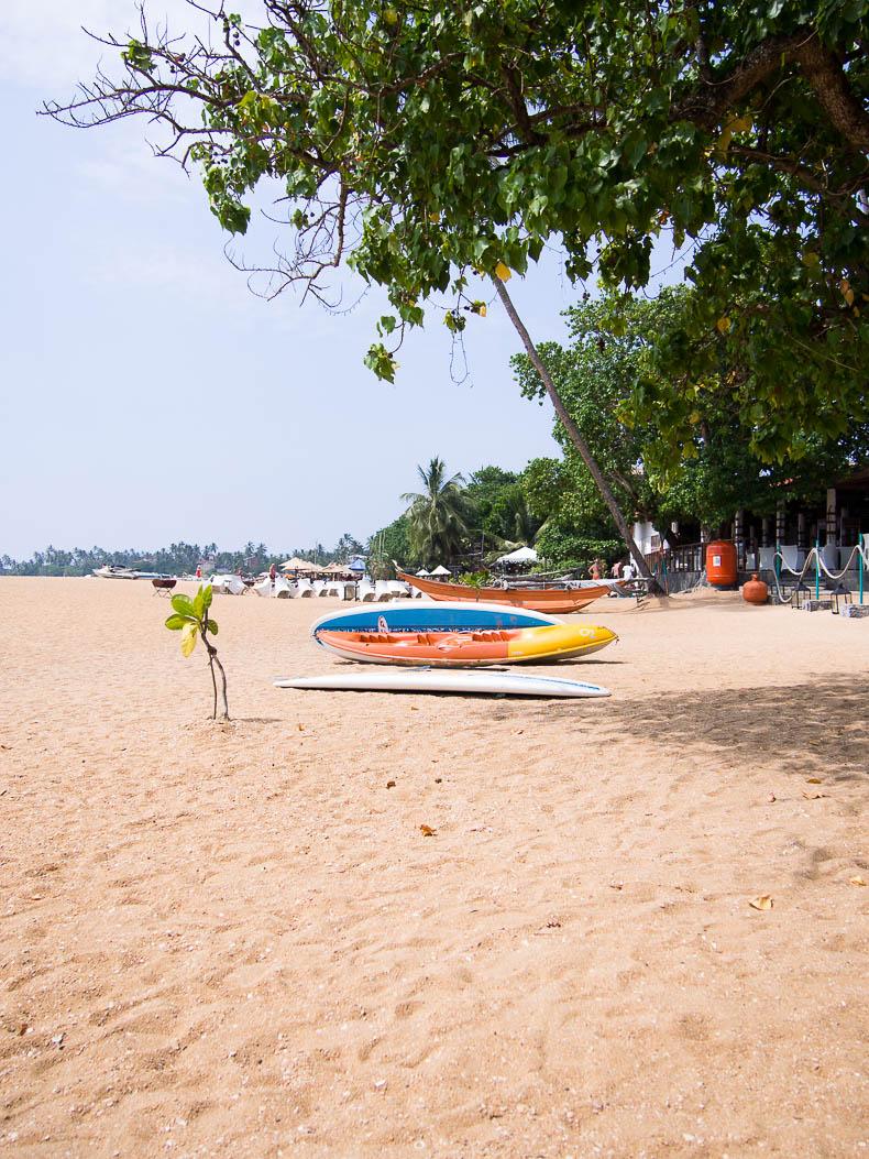 sri-lanka-unawatuna-beach
