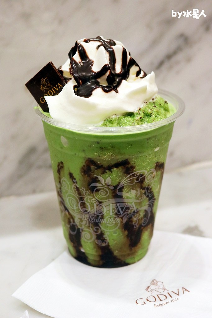 39772975371 038e3e4887 b - GODIVA抹茶巧克力霜淇淋首賣,台中大遠百店期間限定