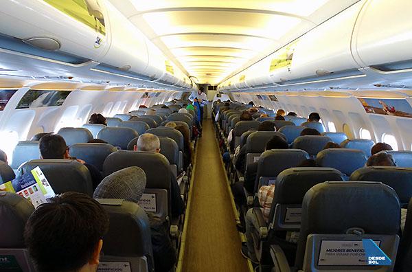SKY A319 pasajeros interior (RD)