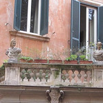 2018 Palazzo Maccarani Odescalchi, cortile, Piazza Margana 19 m - https://www.flickr.com/people/35155107@N08/