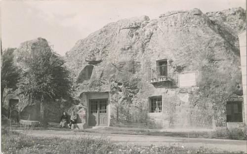 Alcolea del Pinar (Guadalajara) : casa de piedra