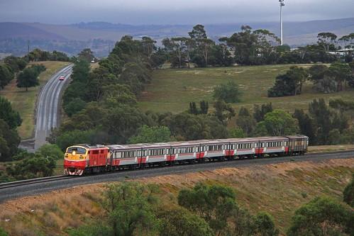 a66 aclass clyde emd b66 bclass vr victorianrailways vline vlinepassenger passengertrain bacchusmarsh victoria train railway locomotive rpauvicaclass rpauvicaclassa66