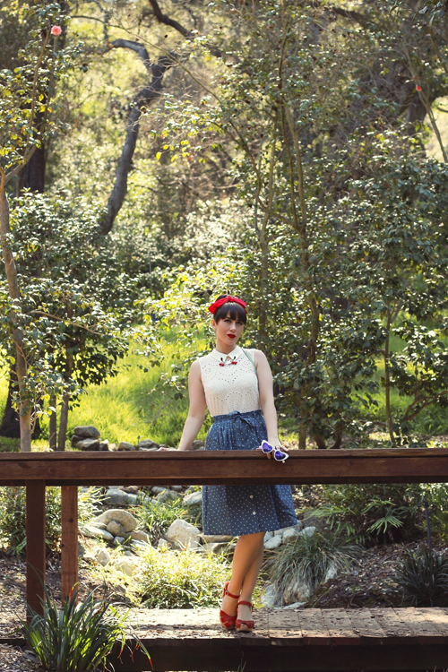 Modcloth Eyelet in the Sun Sleeveless Top Park Bench Artistry A-Line Skirt
