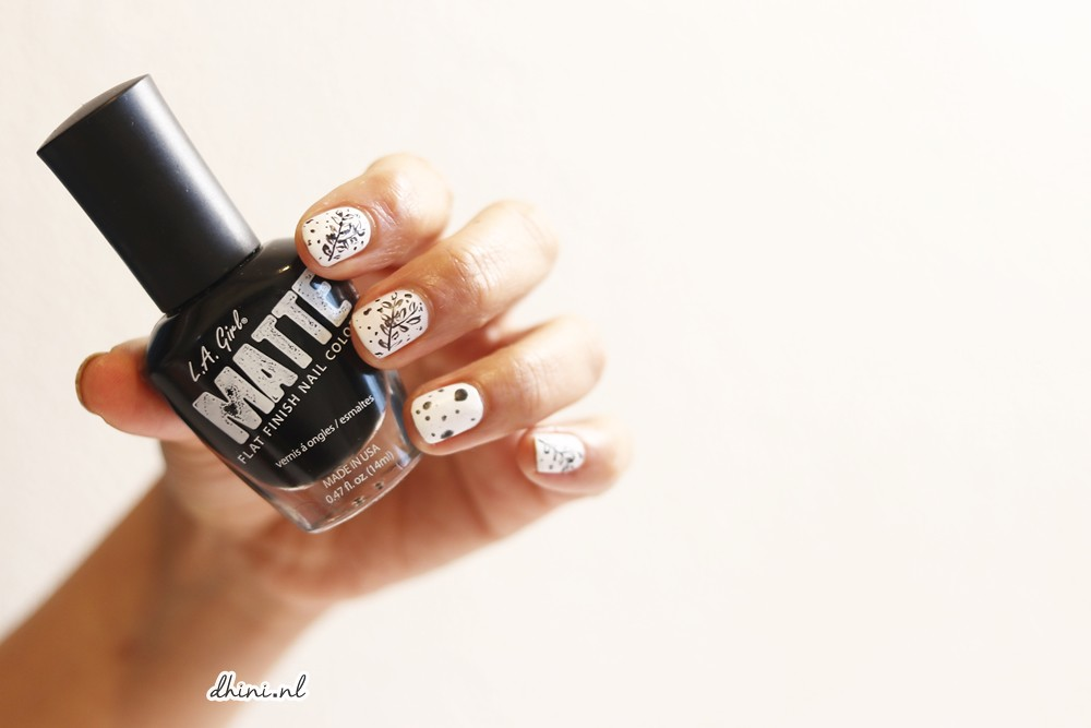 2018 Mani monday : Black and White #1