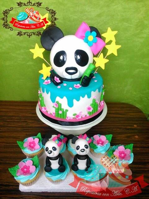 Panda Cake by Reposteria con Arte