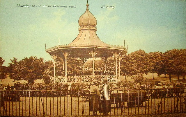 Beveridge Park bandstand