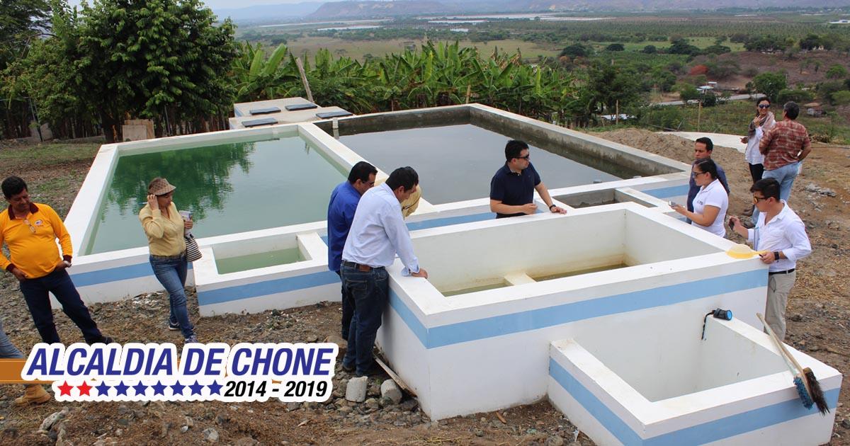 Alcaldía de Chone expone obra de agua potable en San Antonio