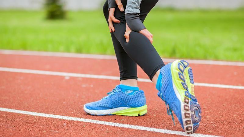 Ada baiknya melakukan pemanasan terlebih dulu untuk menghindari cedera saat olahraga.