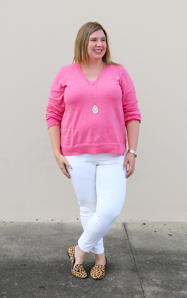 pink sweater, white jeans and leopard loafers 4