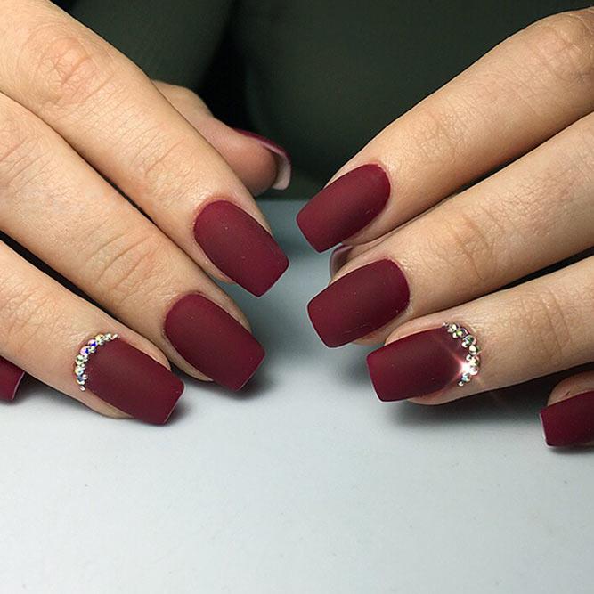 40+ Gorgeous Maroon Color Nails Designs - Fashionre