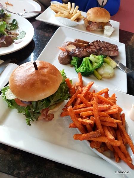 Symposium Cafe Restaurant & Lounge Markham