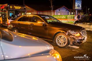 Erneute Verkehrsunfälle Otto-Suhr-Ring/Wiesbadener Str 16.01.18