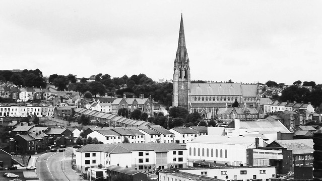 Black and white city view of Londonderry, Northern Ireland
