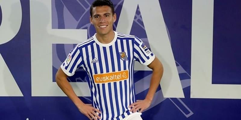 http://cafegoal.com/berita-bola-akurat/real-sociedad-menandatangani-bek-meksiko-moreno-dari-roma/