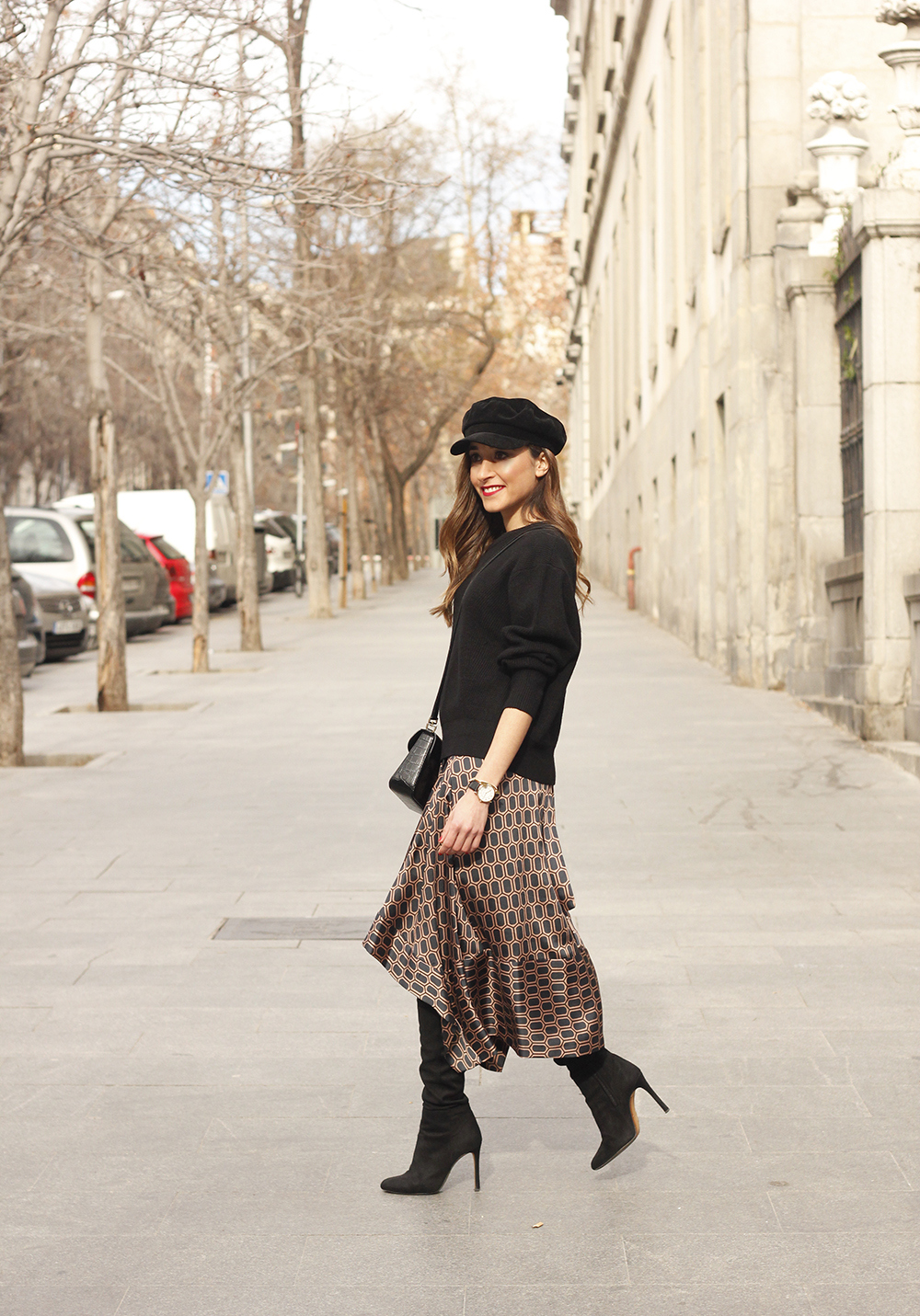 Midi skirt geometrical print marc jacobs watch over the knee boots givenchy bag winter outfit street style08