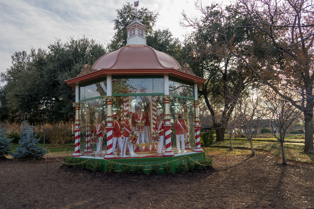 12 Days of Christmas Display | Dallas Arboretum and Botanical Gardens