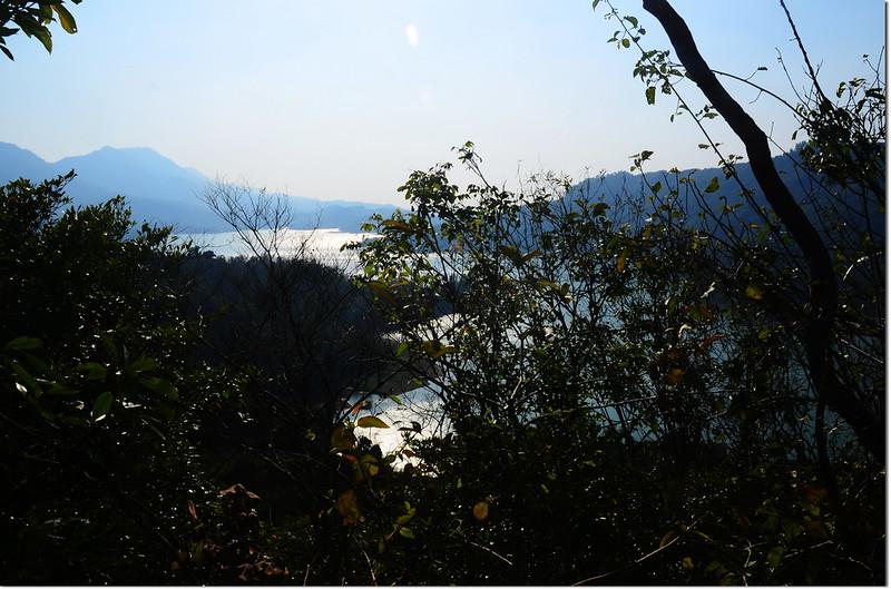 芒果坑山山頂俯瞰南化水庫