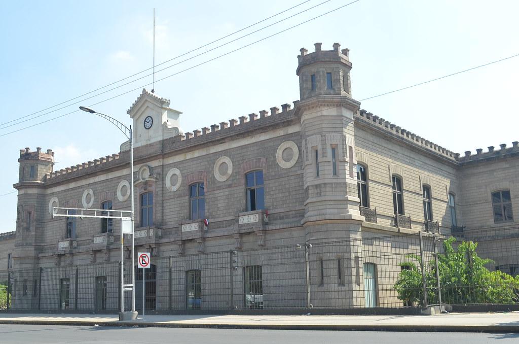 PÁG. 3 (1). El Palacio Negro de Lecumberri, la cárcel en donde el régimen opresor mexicano quiso callar las voces de importantes líderes estudiantiles, sindicales y activistas polí
