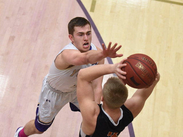 C of I Hoops Sweep Walla Walla
