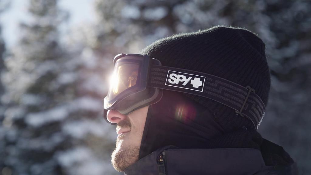 Les lunettes de ski électroniques Spy Ace EC – Changer la teinte à l'aide d'un simple bouton