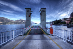 Wait for the ferry - Menaggio - Italia