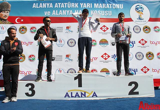 'Atatürk'e Koşalım, Atatürk'le Koşalım' sloganı ile düzenlenen 18. Alanya Atatürk Yarı Maratonu ve Alanya Halk Koşusu -6
