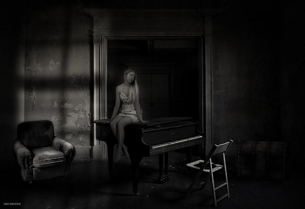 j'attends mon prof de piano  40438284112_ed27300343_b