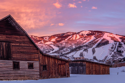 steamboatbarn morebarn steamboatsprings colorado steamboatresort barn mountain light sunset coloradosunset routtnationalforest yampavalley canon70d tokina1228