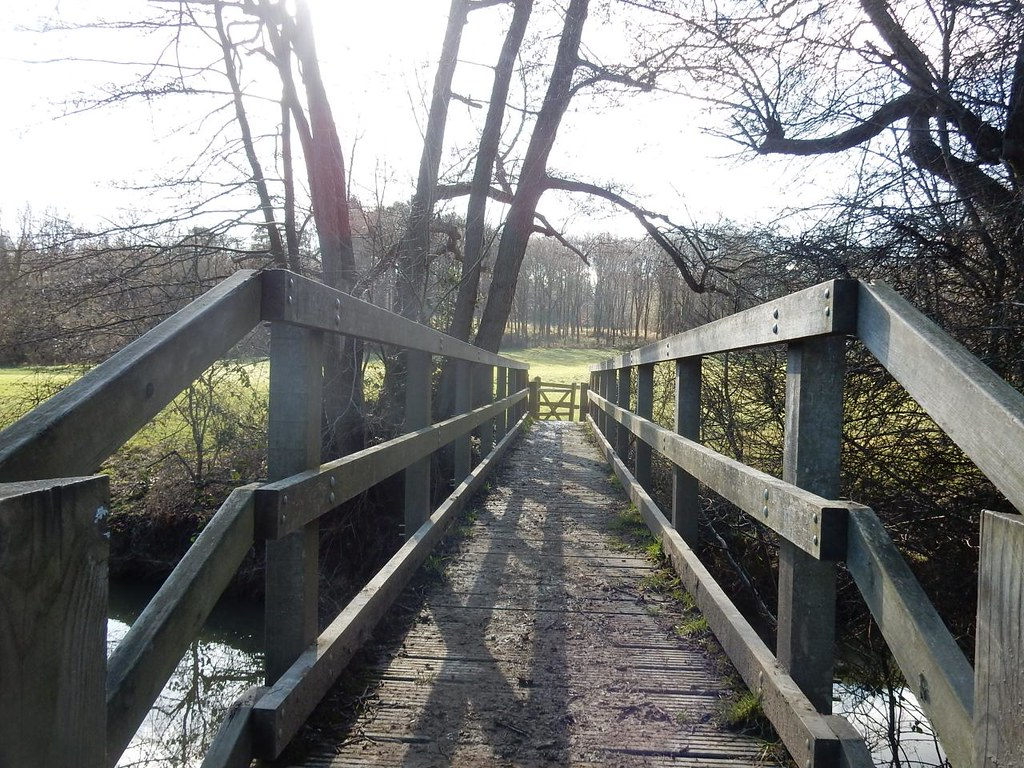 A smaller bridge Balcombe Circular (winter)
