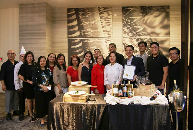 Seda Abreeza Team with Davao lifestyle writers and digital influencers