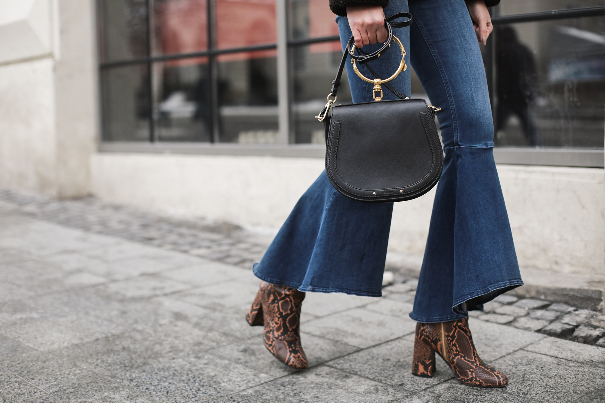 snake-print-ankle-boots-outfit-street-style
