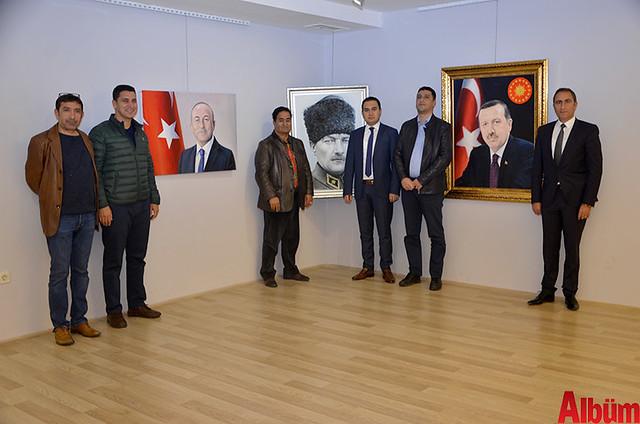 Alanya Cumhuriyet Başsavcısı Yasin Emre, Alanya İlçe Emniyet Müdürlüğü Asayiş Büro Amiri İsa Arı ve Azerbaycanlı Ressam Eldar Zeynalov sergi -9