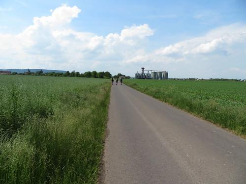 20170603 06 188 Regia Wolken Weg Feld Pilger Achim Stephi Sandra