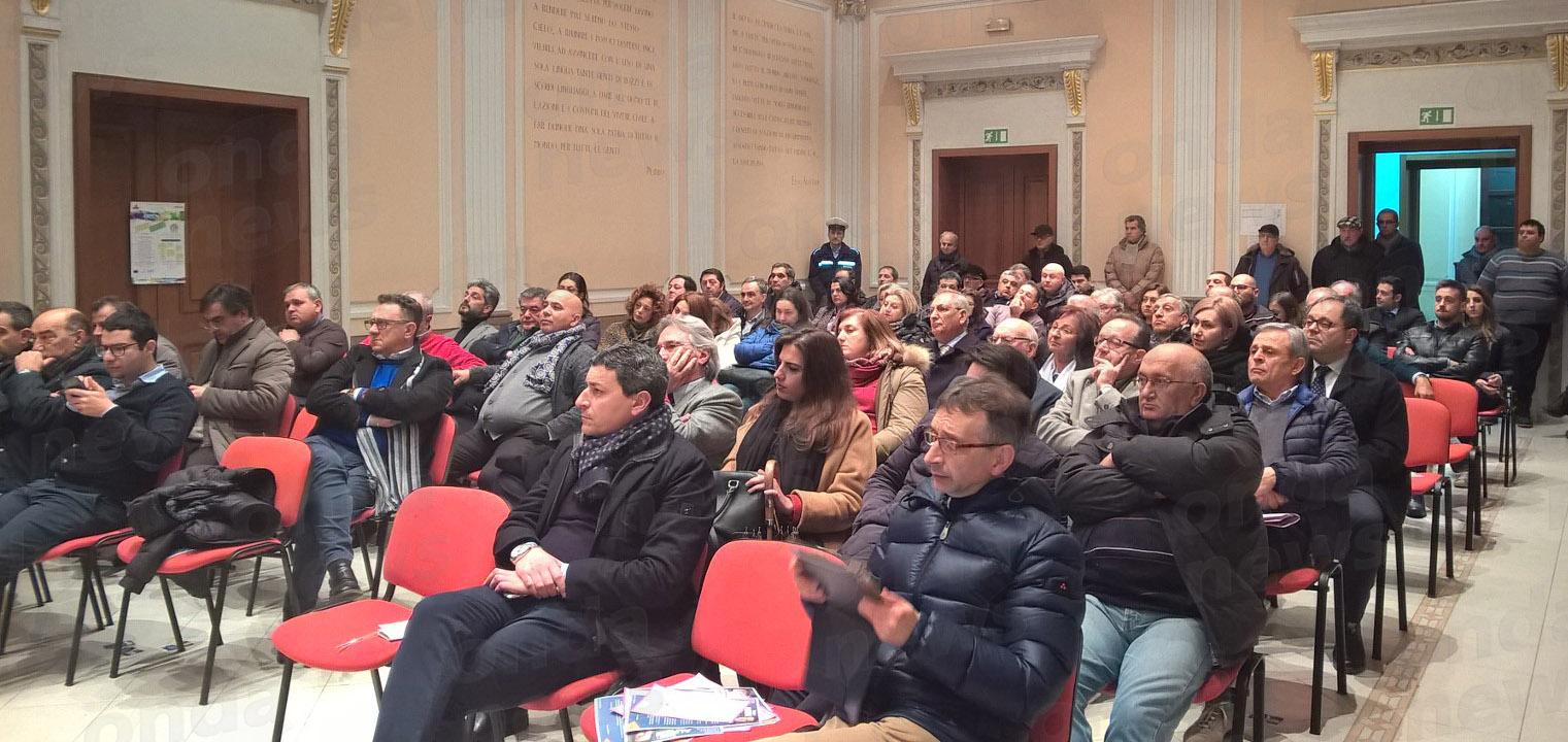 pubblico incontro politico 24-02-18 sala c.