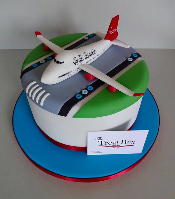 Chocolate Mud Cake for a Plane Lover by The Treatbox