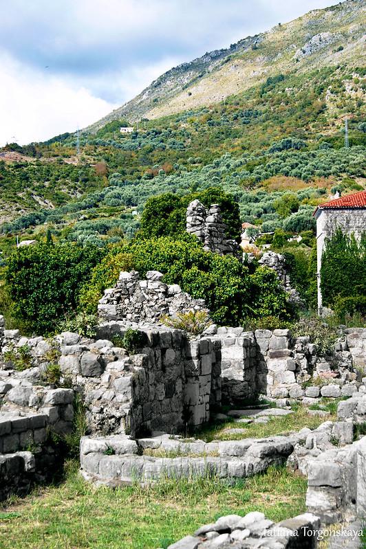 Руины зданий. Верхняя часть Бара