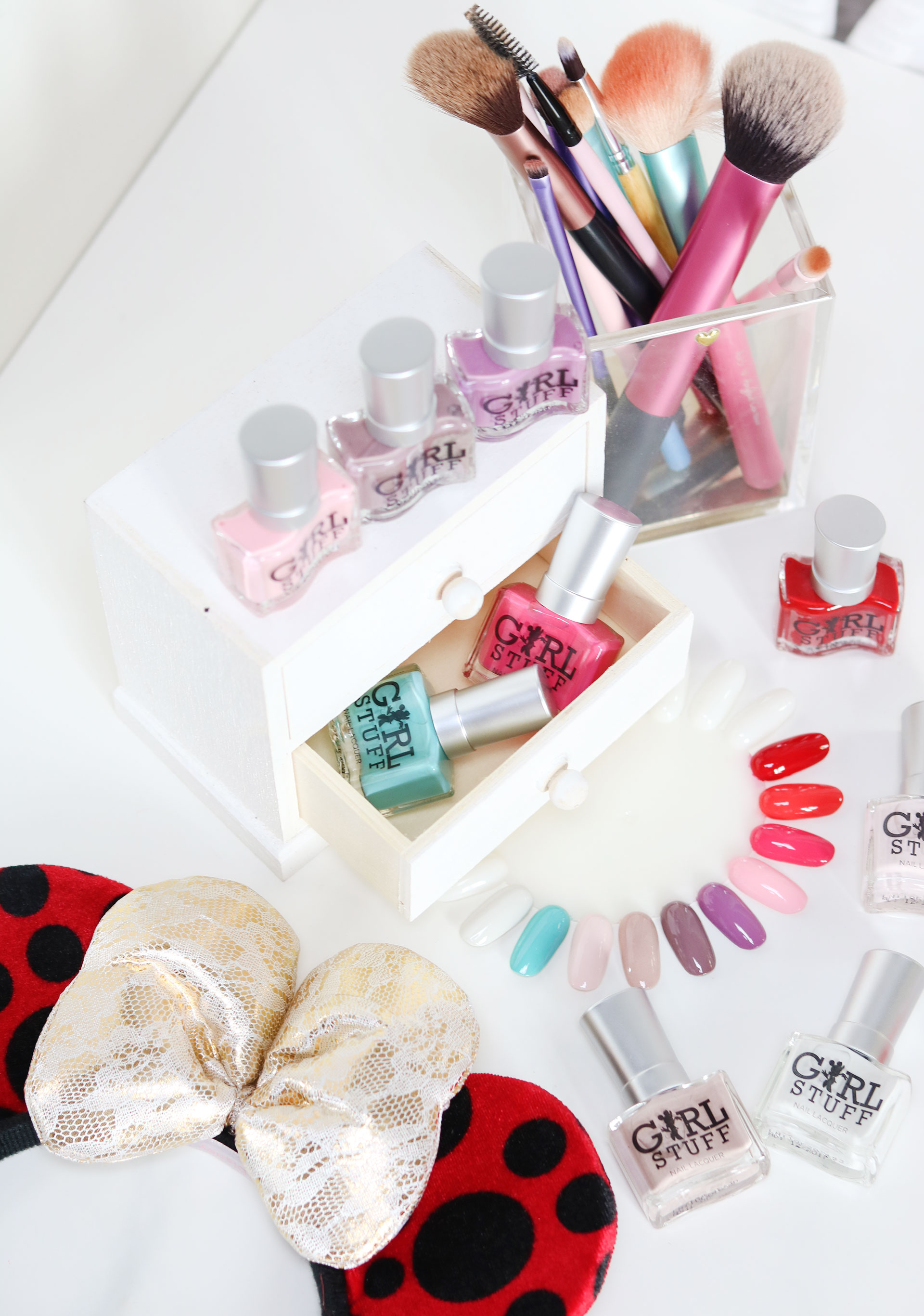 2 Girlstuff Minnie Mouse Nail Lacquers Collection Review Swatches Photos - Gen-zel She Sings Beauty