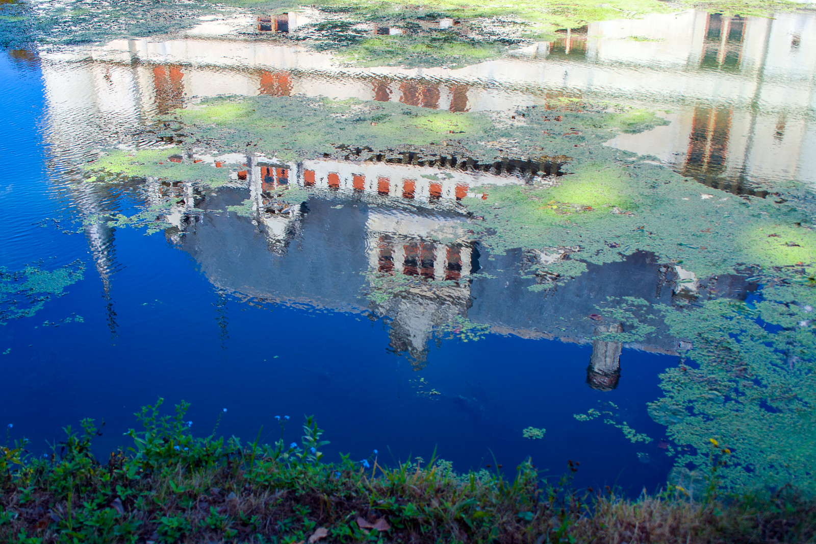 Odbicie zamku Azay-le-Rideau