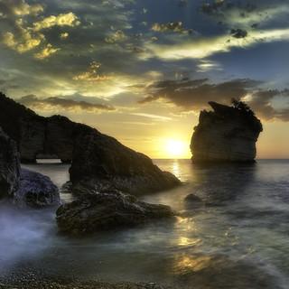 Baia dei Faraglioni at dawn