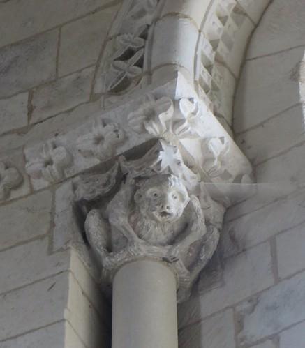 Être simiesque, choeur de l'église romane, St Blaise (XIIe-XIIIe), Lacommande, Béarn, Pyrénées-Atlantiques, Nouvelle-Aquitaine, France.