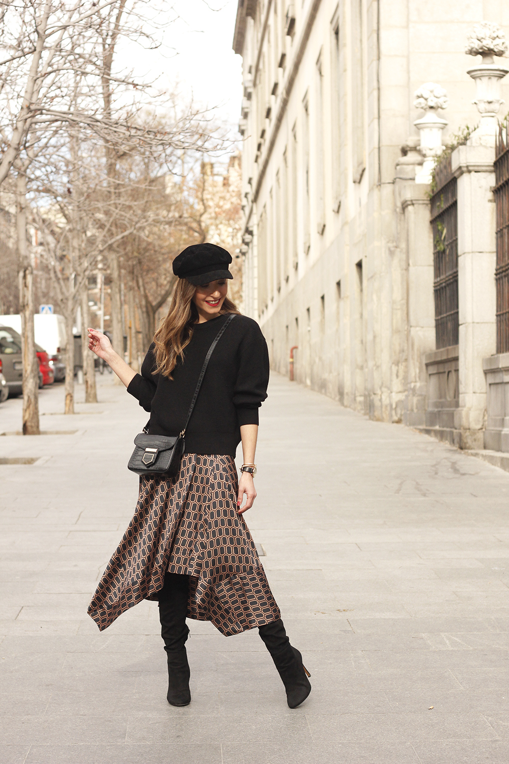 Midi skirt geometrical print marc jacobs watch over the knee boots givenchy bag winter outfit street style09