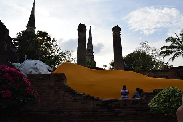 ラストは寝釈迦のいるお寺