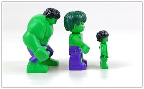 LEGO Marvel Superheroes Hulk Minifigure, Bigfigure & Duplo figure 02
